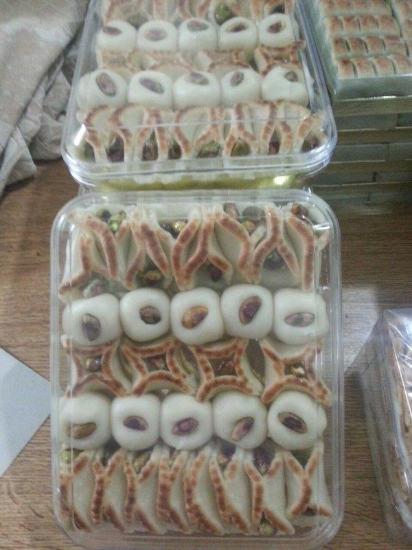 شراء حلويات عربية