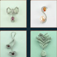 Pendants (jewelry)