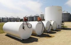 Storage tanks for fuels and lubricants